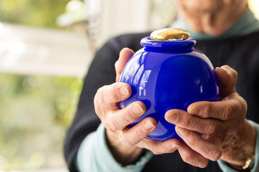Gold Pebble urn